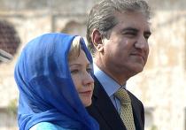 Хиллари Клинтон во время визита в Пакистан