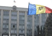 Парламент Республики Молдова на площади Великого национального собрания