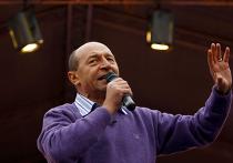 Трэян Бэсеску выступает перед своими избирателями