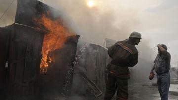 Тушение пожара на Воронежском авторынке