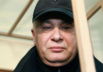 Рассмотрение ходатайства об аресте генерала милиции А. Бокова