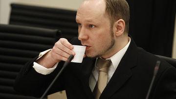 Андерс Брейвик в здании окружного суда Осло