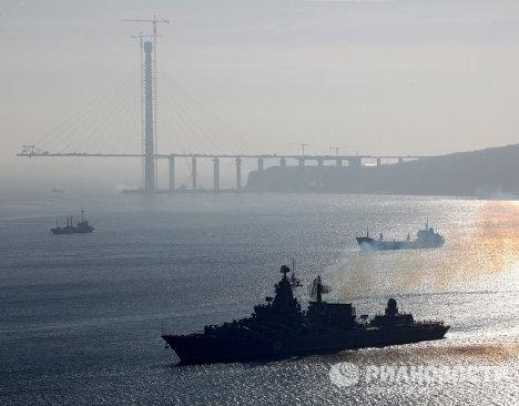 """Встреча крейсера """"Варяг во Владивостоке"""