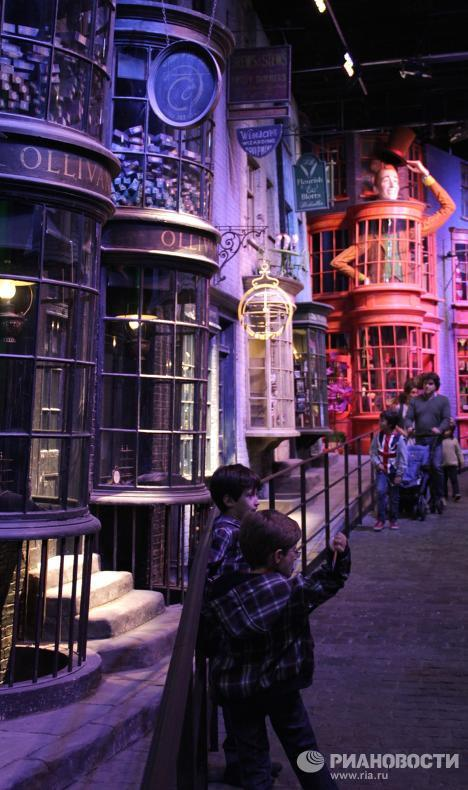 """Студия, где снимали """"Гарри Поттера"""""""