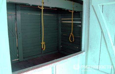 Виселица с системой открывающихся в полу люков в Сотовой Тюрьме в городе Порт-Блэр
