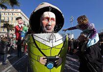 Фигура Владимира Путина на карнавале в Ницце