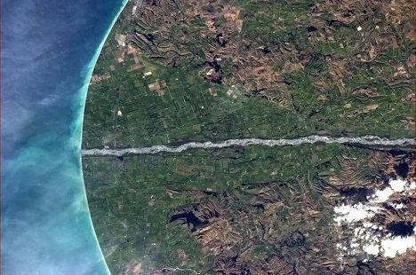 Снимок Новой Зеландии из космоса