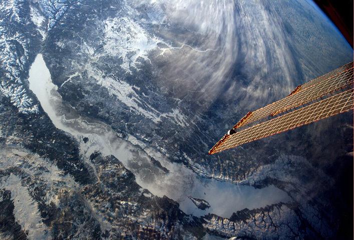Снимок озера Байкал из космоса