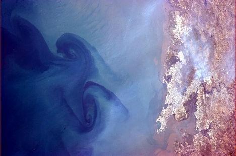 Снимок моря у Мумбаи, Индия
