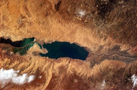 Космический снимок Мертвого моря