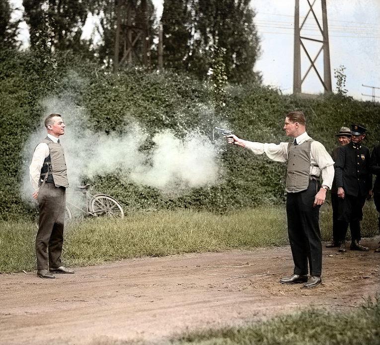 Тестирование бронежилета, Вашингтон,  13 сентября 1923 год