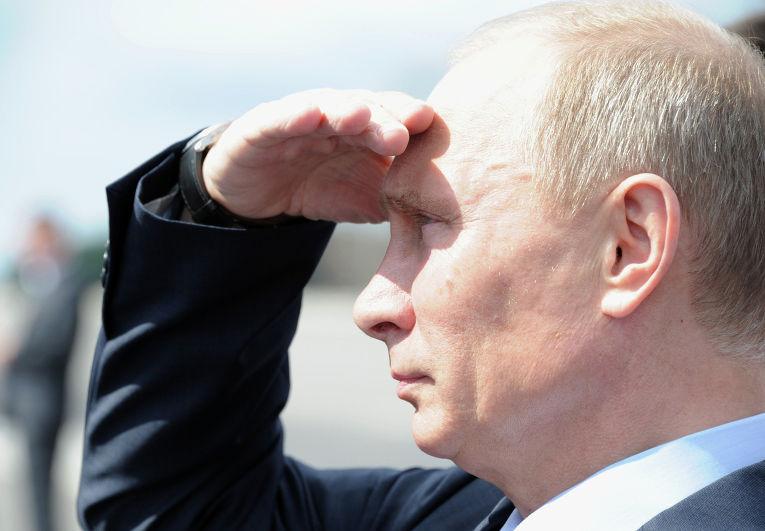 В.Путин осмотрел строящуюся трассу в Подмосковье