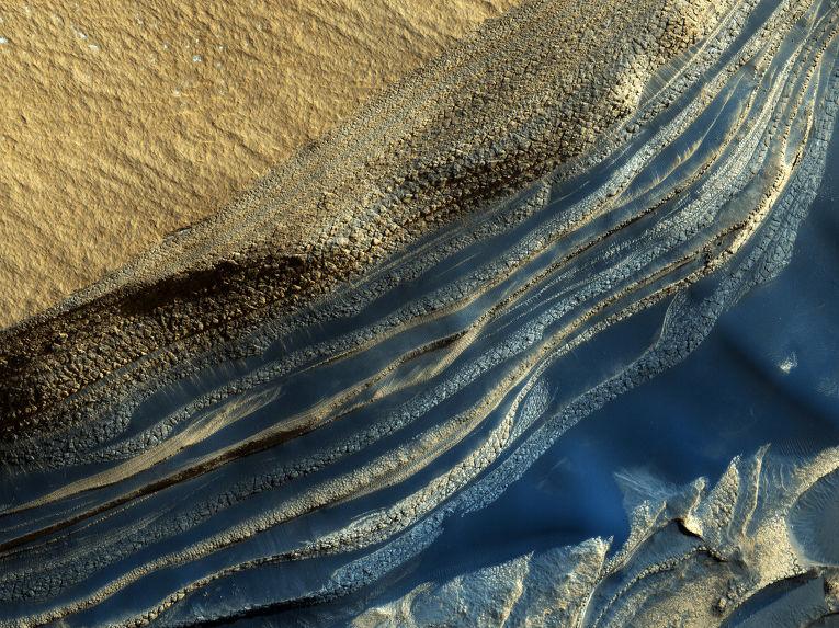 Отложения горных пород на северном полюсе Марса