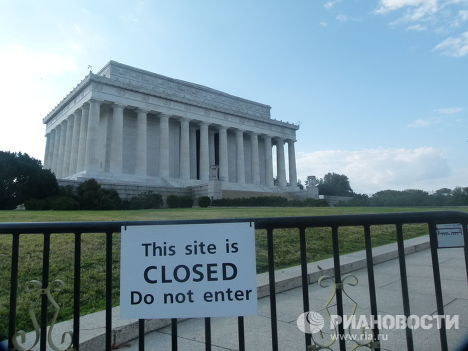 Закрытый мемориал Линкольна в Вашингтоне