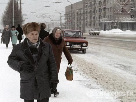 Конструктор стрелкового оружия Михаил Калашников на улицах Ижевска