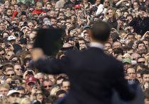 Барак Обама произносит речь на Градчанской площади в Праге