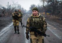 Ополченцы Донецкой народной республики (ДНР) в Чернухино Донецкой области