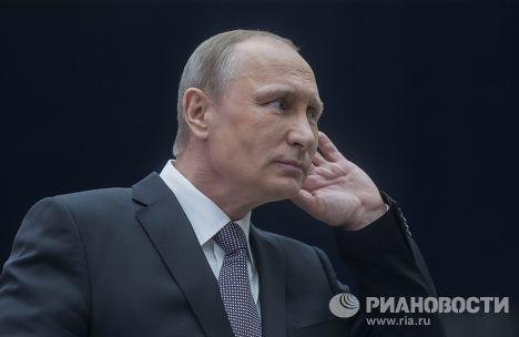 Владимир Путин отвечает на вопросы журналистов после окончания прямого эфира «Прямой линии»