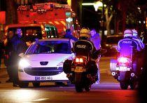 Полиция патрулирует улицы Парижа после серии террористических нападений