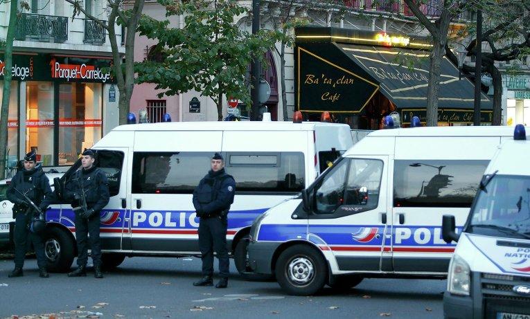 """Полиция у театра """"Батаклан"""" в Париже, 14 ноября 2015"""