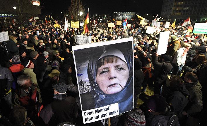 Демонстрация движения «Патриотичные европейцы против исламизации Запада» (Pegida) в Дрездене