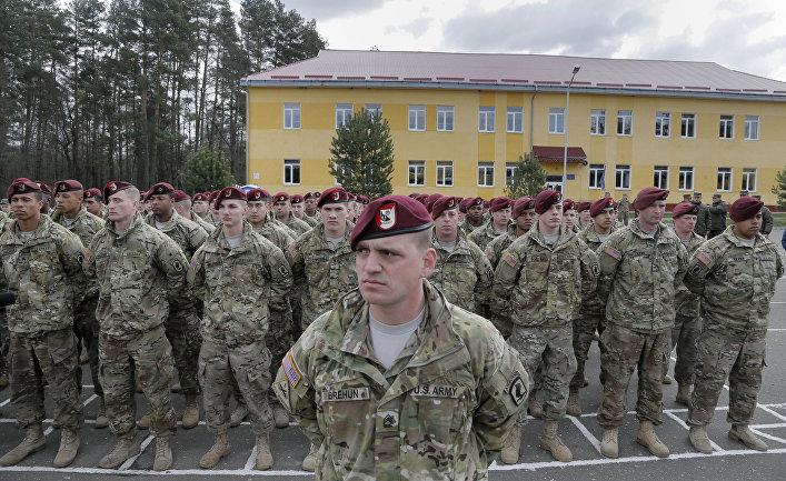Американские военные на церемонии открытия учений Fearless Guardian - 2015 на Яворивском полигоне