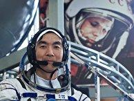Участник экипажа Международной космической станции-44/45 астронавт ДжАКСА Кимия Юи (Япония) во время тренировки на тренажере космического корабля СОЮЗ