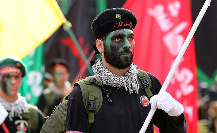 Участники движения «Хезболла» на параде, посвященном 13-му дню Мухаррама
