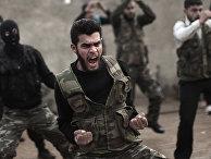 Сирийские повстанцы проходят обучение у американских военных на базе рядом с городом Идлиб на северо-западе Сирии, 2012 год