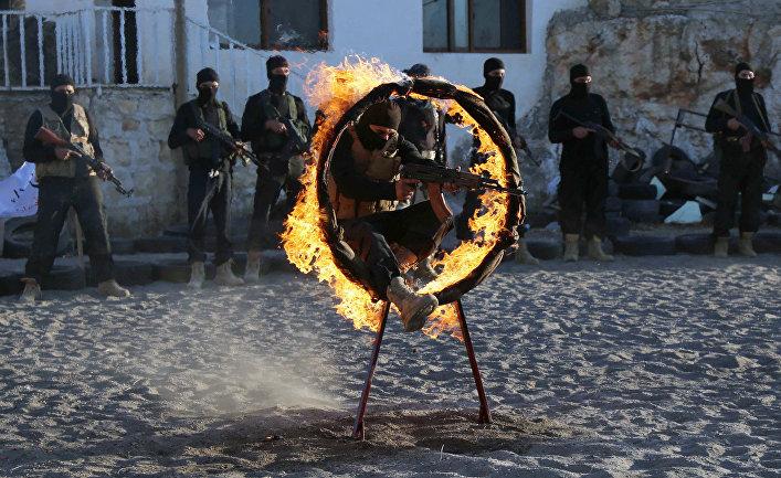Тренировка бойцов Свободной сирийской армии в Алеппо