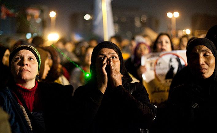 Женщины на митинге в Каире выступают против насилия