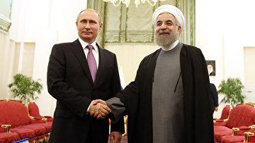 Президент России Владимир Путин и президент Ирана Хасан Рухани на встрече в Тегенане, Иран