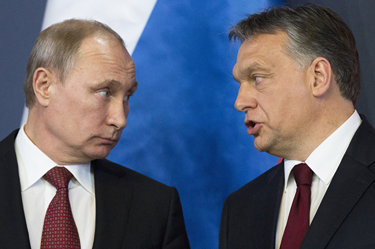 Владимир Путин и президент Венгрии Виктор Орбан во время встречи в Будапеште