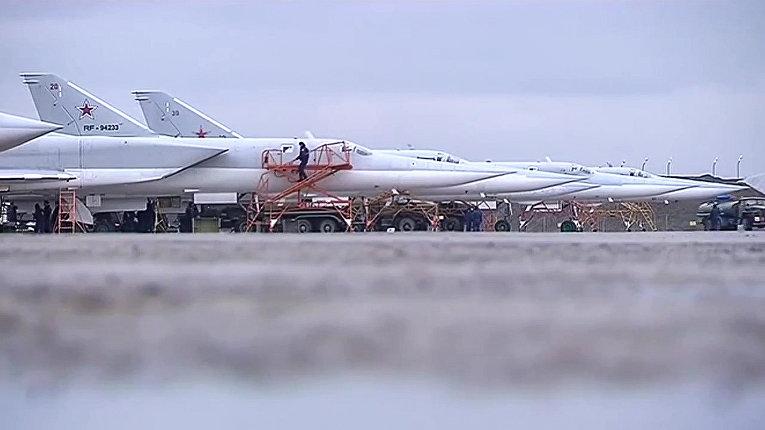 Боевой вылет дальних бомбардировщиков Ту-22М3 по объектам террористов в Сирии