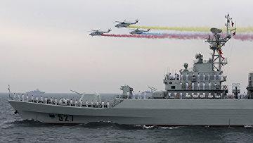 ВМФ КНР во время праздничных мероприятий, посвященных 60-й годовщиной основания КНР