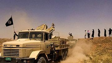 """Боевики террористической группировки """"Исламское государство"""" на границе Сирии и Ирака"""