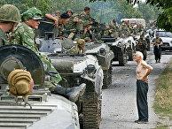 Колонна российских войск на территории Грузии