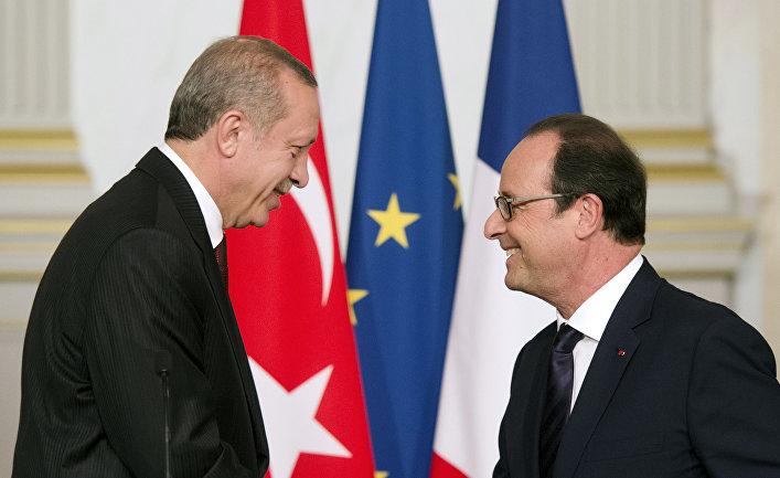Президент Франции Франсуа Олланд и президент Турции Реджеп Тайип Эрдоган на совместной встрече в Елисеевском дворце