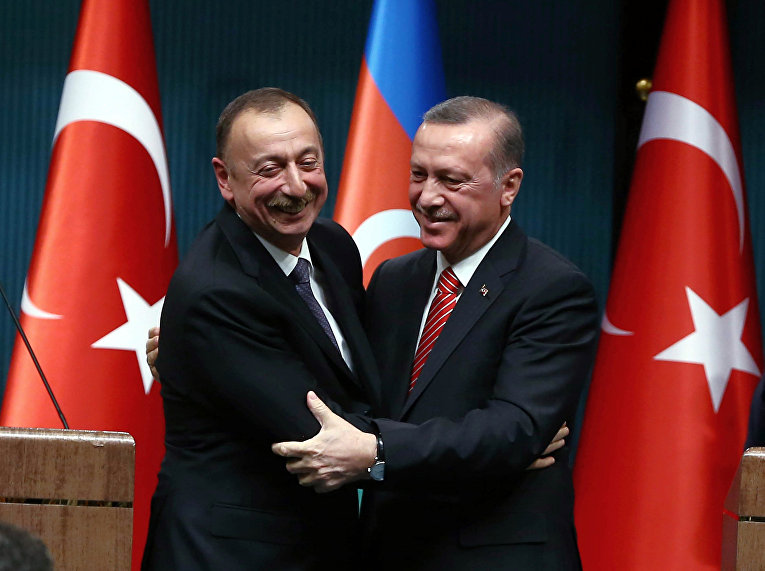 Президент Турции Тайип Эрдоган и президент Азербайджана Ильхам Алиев
