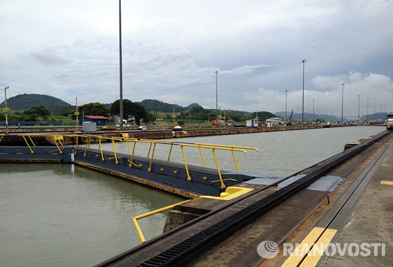 Панамский канал со стороны Тихого океана