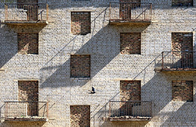 Здание в городе Байконур в Казахстане