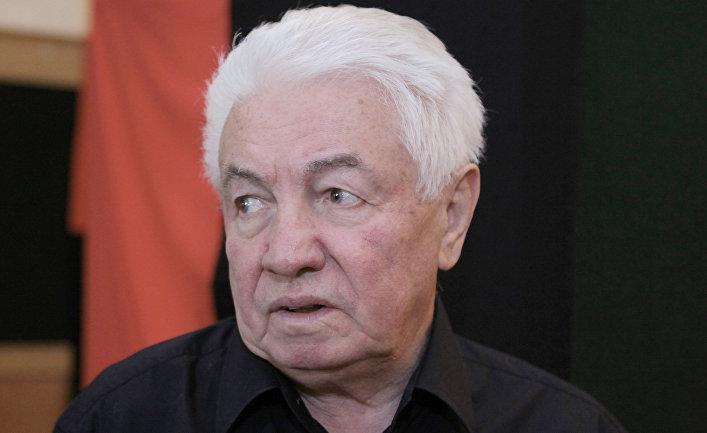 Писатель и драматург Владимир Войнович в Центральном доме литераторов