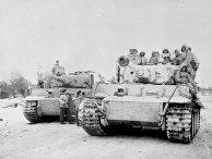 Немецкие солдаты на танке «Тигр»