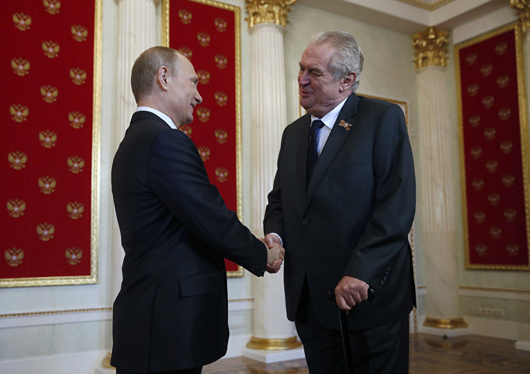 Встреча Владимира Путина с Милошем Земаном в Кремле перед парадом Победы на Красной площади