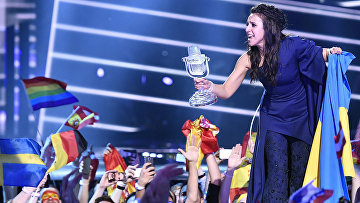 Украинская певица Джамала празднует победу в «Евровидение-2016»