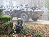 Солдаты румынской армии на военных учениях Combined Resolve III