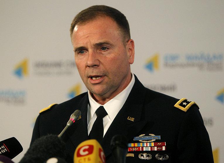 Командующий сухопутными войсками США в Европе Бен Ходжес на пресс-конференции в Киеве