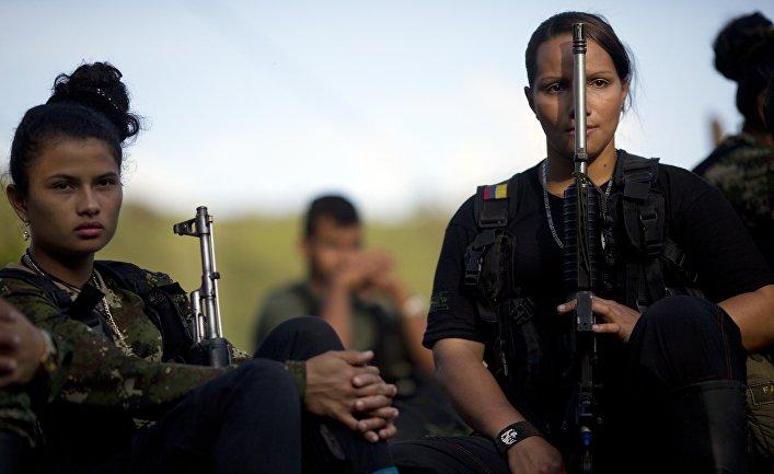 Хулиана и Мариана из Революционных вооруженных сил Колумбии (ФАРК)