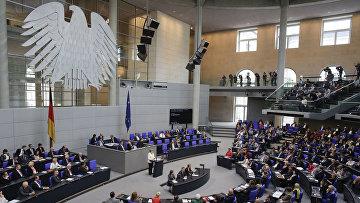 Канцлер Германии Ангела Меркель выступает в Бундестаге по поводу выхода Великобритании из ЕС