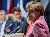Федеральный канцлер Германии Ангела Меркель на саммите НАТО